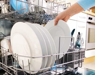 Cuci Piring dan Gelas Berhadiah Jutaan Rupiah!