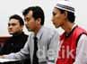 2 Anggota FBR ini dituntut Pasal 358 atas perbuatan tidak menyenangkan. Mereka dituntut karena melakukan penyerangan terhadap anggota Pemuda Pancasila pada Minggu (1/7/2012).