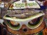 Ini dia Onion Goggles alias kacamata untuk mengiris bawang merah! Bagian dalamnya dilengkapi dengan sejenis busa agar kacamata melekat kuat dan gas yang memicu air mata tak bisa tembus. Harganya? Rp 500.000! Kira-kira siapa yang mau membeli ya? (Fitria Rahmadianti/Detikfood)