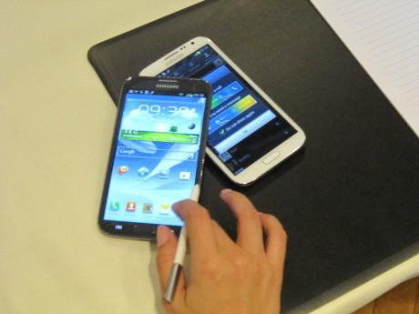 Apple Ngotot Memasung Galaxy Note II