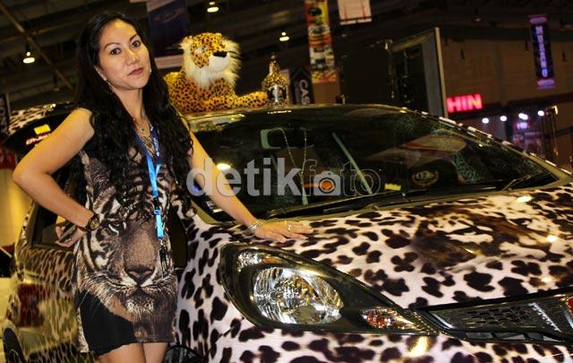 Honda Jazz Berkulit Macan