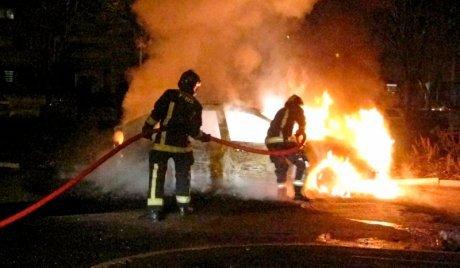Tradisi Prancis, Bakar-bakaran Mobil di Malam Tahun Baru