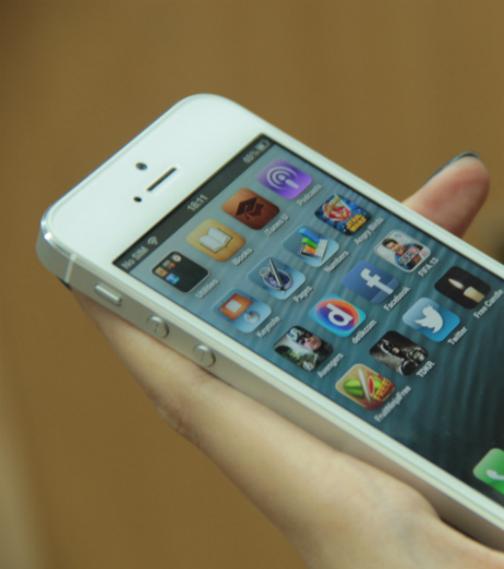 Analis: iPhone Mini Meluncur di 2014