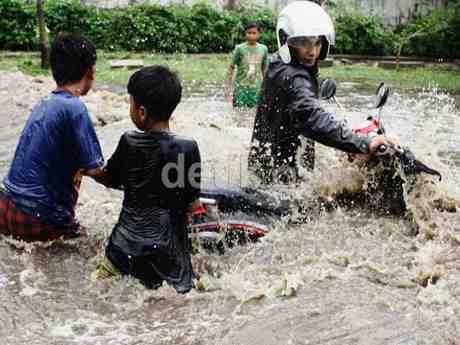 Rawat Motor Setelah Terendam Banjir