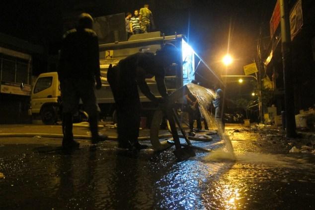 Sim Salabim! Air Banjir Jakarta Disulap Jadi Air Minum di Mobil Ini