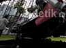 Perawatan koleksi museum Satria Mandala, Jakarta, dengan pengecatan peralatan alat-alat perang dilakukan dari bulan November 2012.