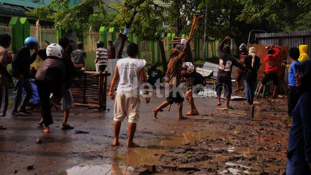 Tawuran Antar Warga di Makassar