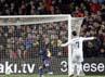 Di babak kedua, counter attack Madrid kembali membuahkan hasil. Ronaldo sukses memaksimalkan bola rebound hasil tembakan Di Maria. REUTERS/Gustau Nacarino.