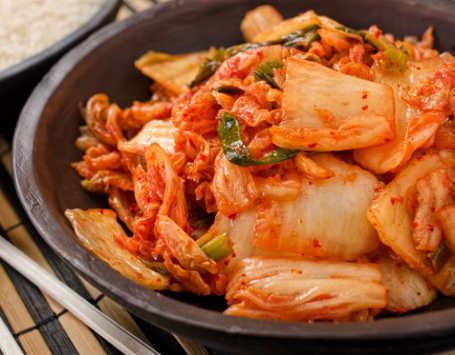 Kadar Kolesterol dan Gula Darah Tinggi? Makanlah Kimchi Tiap Hari!