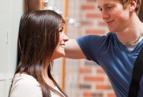 Survei: Pria Pisces dan Wanita Gemini Paling Rentan Selingkuh