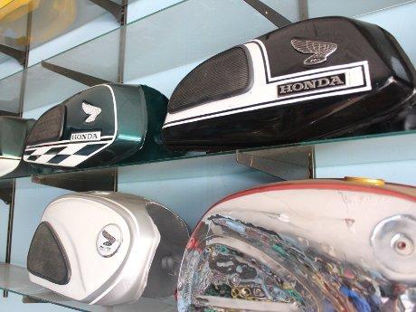 Aksesoris-aksesoris Khas Motor Honda Jadul