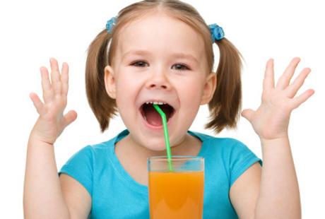 Bagaimana Menghilangkan Kebiasaan Bersendawa pada Anak?