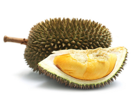 Dilarang Masuk Pesawat, Wanita Ini Habiskan 3 Kg Durian di Bandara