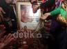Jenazah Ustad Jeffry Al Buchory (Uje) dimakamkan di TPU Karet Tengsin, Jakarta.