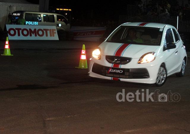 Adu Ketangguhan Honda Brio di Senayan
