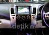2DIN Multi media monitor yang dilengkapai dengan beragam fasilitas hiburan, GPS navigasi dan rear camera untuk menambah kenyamanan berkendara.
