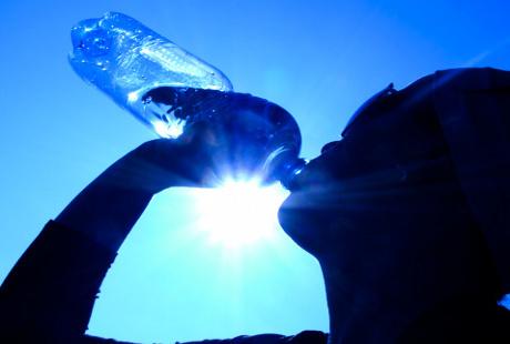 7 Fakta di Balik Mitos tentang Dehidrasi