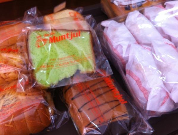 Toko Roti Muntjul: Roti Semir Kuno Lembut yang Jadi Andalan Selama 60 Tahun