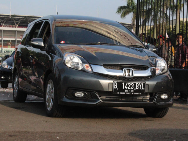 Honda Serahkan MPV Mobilio ke 160 Konsumen Pertama
