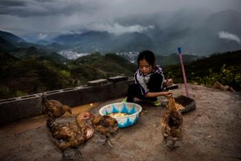 Chen Liyan, di Usia 9 Tahun Urus Ayah yang Sakit TBC Seorang Diri