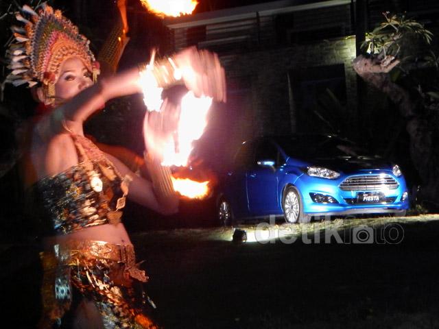 Bermain Api dengan Ford Fiesta