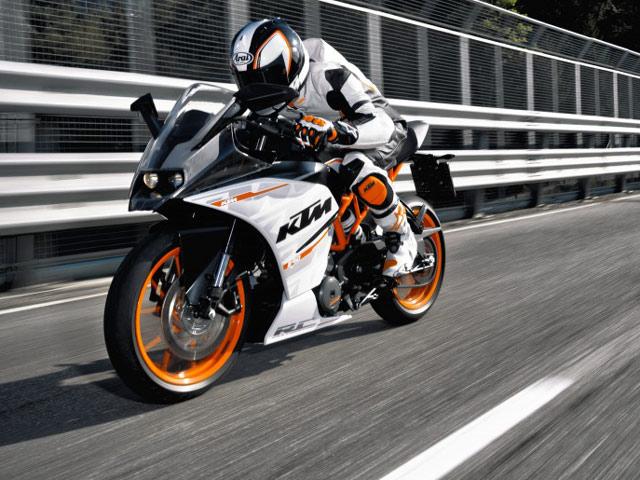 Motor Supersport KTM RC 390