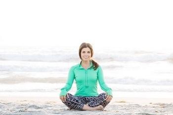 Ini Jessica Matthews, Pelatih Yoga sekaligus Dosen yang Cantik dan Seksi