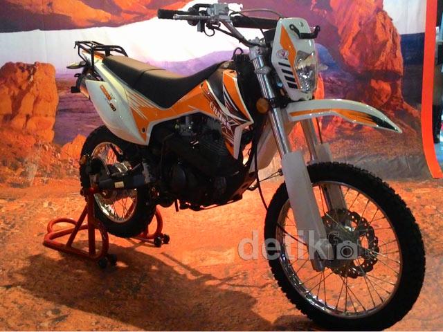Trail 150 cc Milik Viar Lebih Macho Bro..