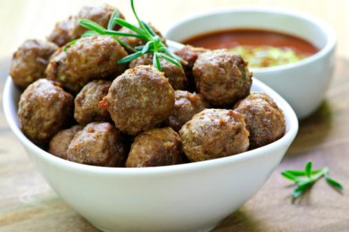 Yuk, Makan Enak dengan Meatball yang Gurih Empuk