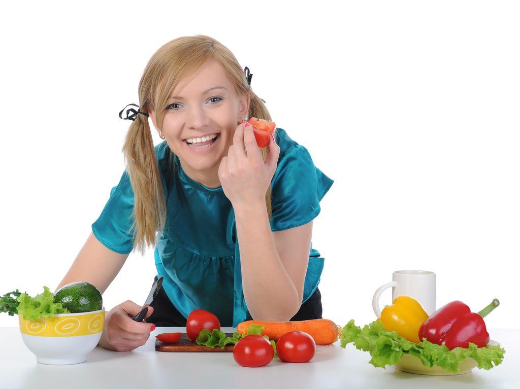 7 Makanan yang Perlu Dikonsumsi Agar Wajah Lebih Bersih