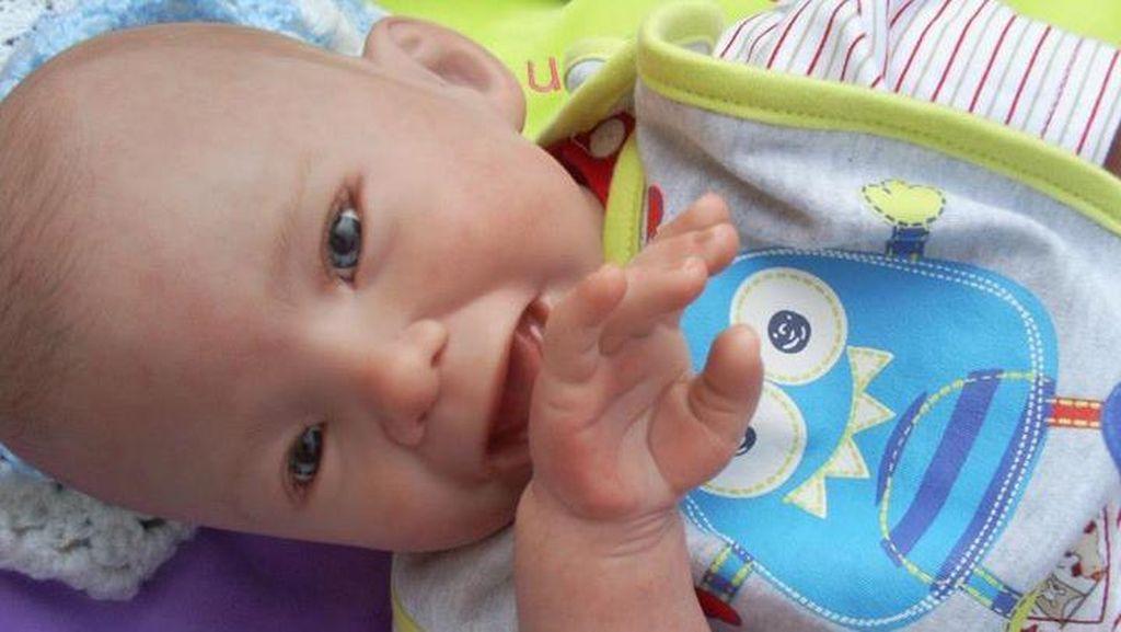 Penampakan Bayi-bayi Mungil yang Dilahirkan Kembali dalam Bentuk Boneka