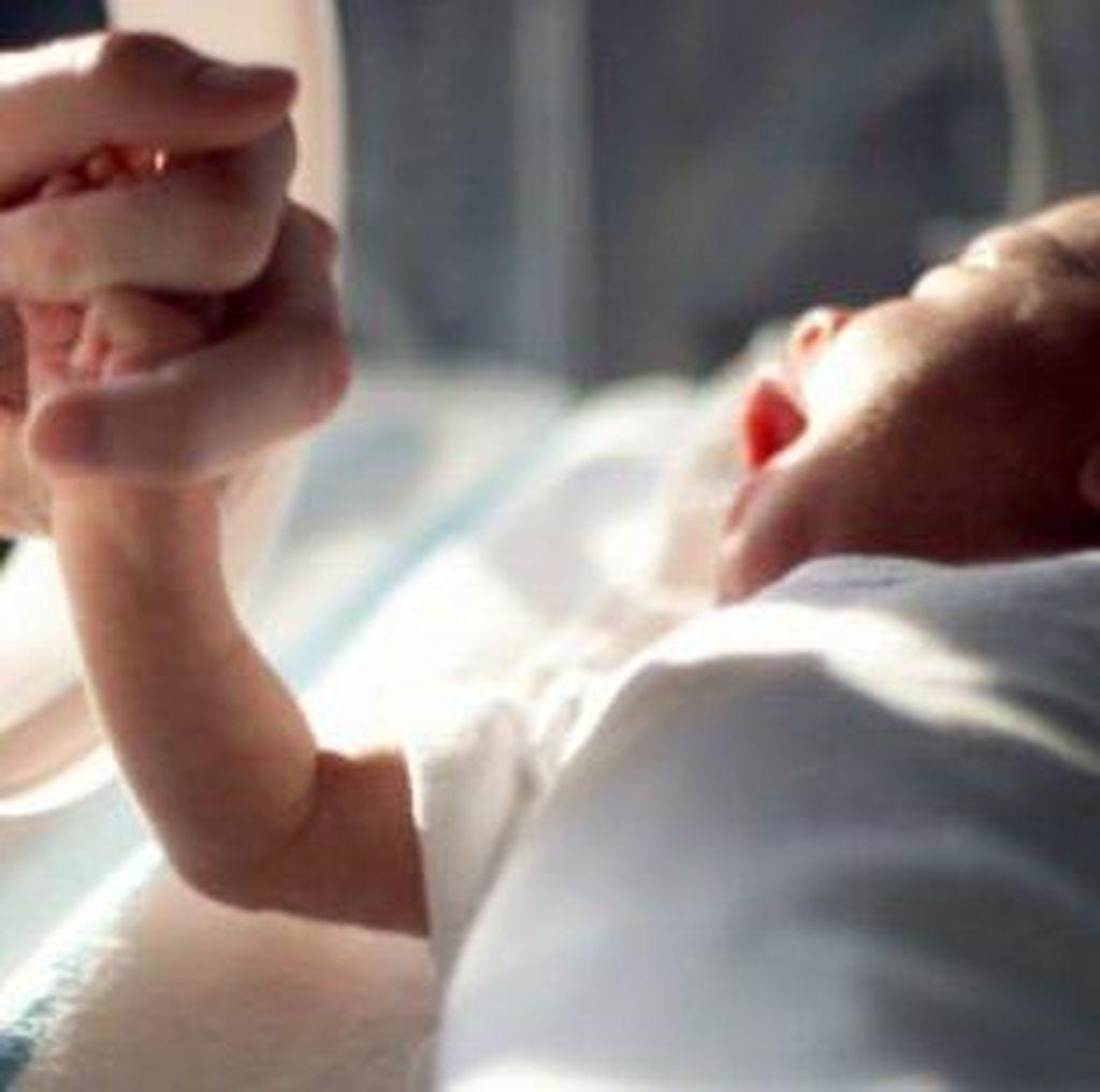 Stimulasi Sederhana Seperti Ini Bantu Optimalkan Perkembangan Bayi Prematur