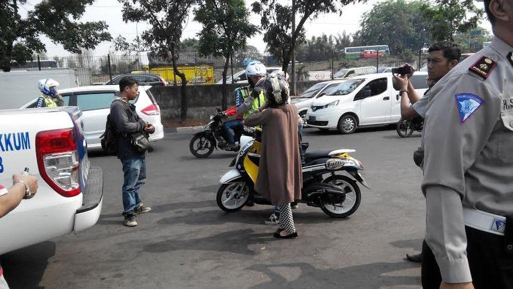 Begini Saat Pengendara di Jakarta Ditilang: Minta Damai Sampai Ngedumel!