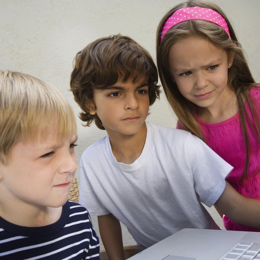 Pada Anak, Teman Juga Pengaruhi Ketakutan Mereka Terhadap Sesuatu