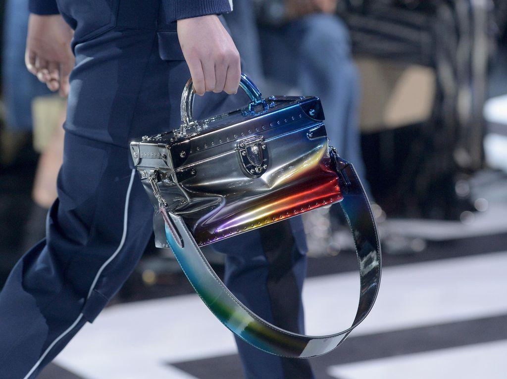 Foto: Tren Tas dari Pekan Mode Dunia Bagi Street Style Lovers