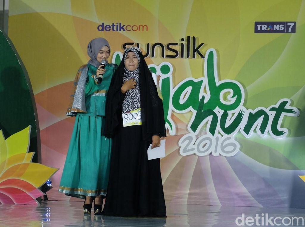 Ditanya Motivasi Ikut Sunsilk Hijab Hunt, Aisyah Berlinang Air Mata