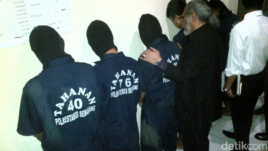 Anggota 'Gang Rape' yang Setubuhi Siswi SD Menangis Minta Ampun