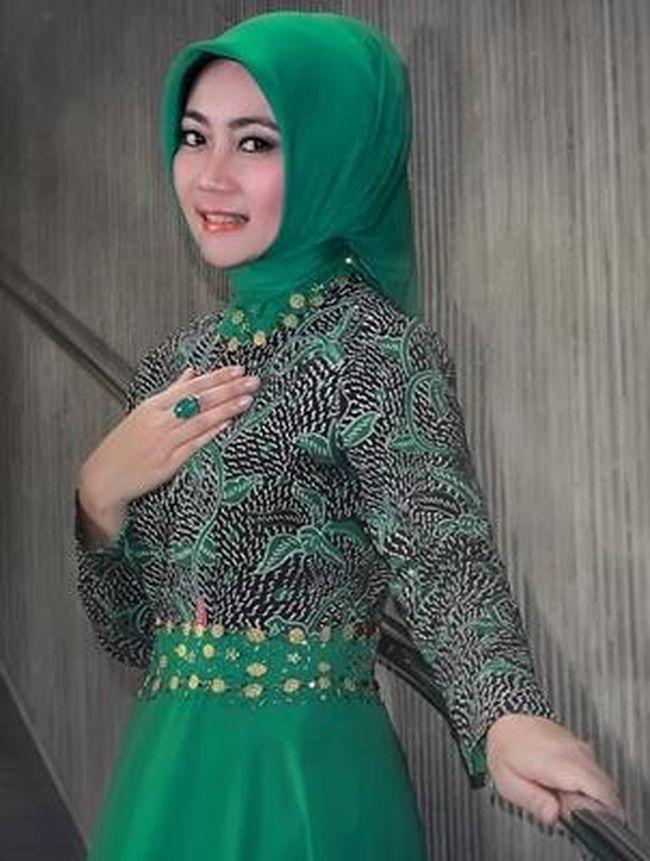 ... Hijab Simpel Istri Walikota Bandung Ridwan Kamil, Atalia Praratya - 6