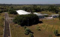 Penampakan pabrik Natex di Xapuri, yang berbatasan langsung dengan hutan Amazon. (Foto: REUTERS/Ricardo Moraes)