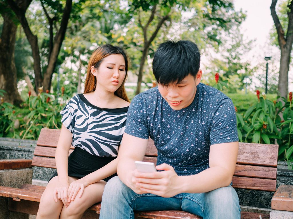 Mungkinkah Maafkan Suami yang Pernah Selingkuh? Ini Kata Psikolog