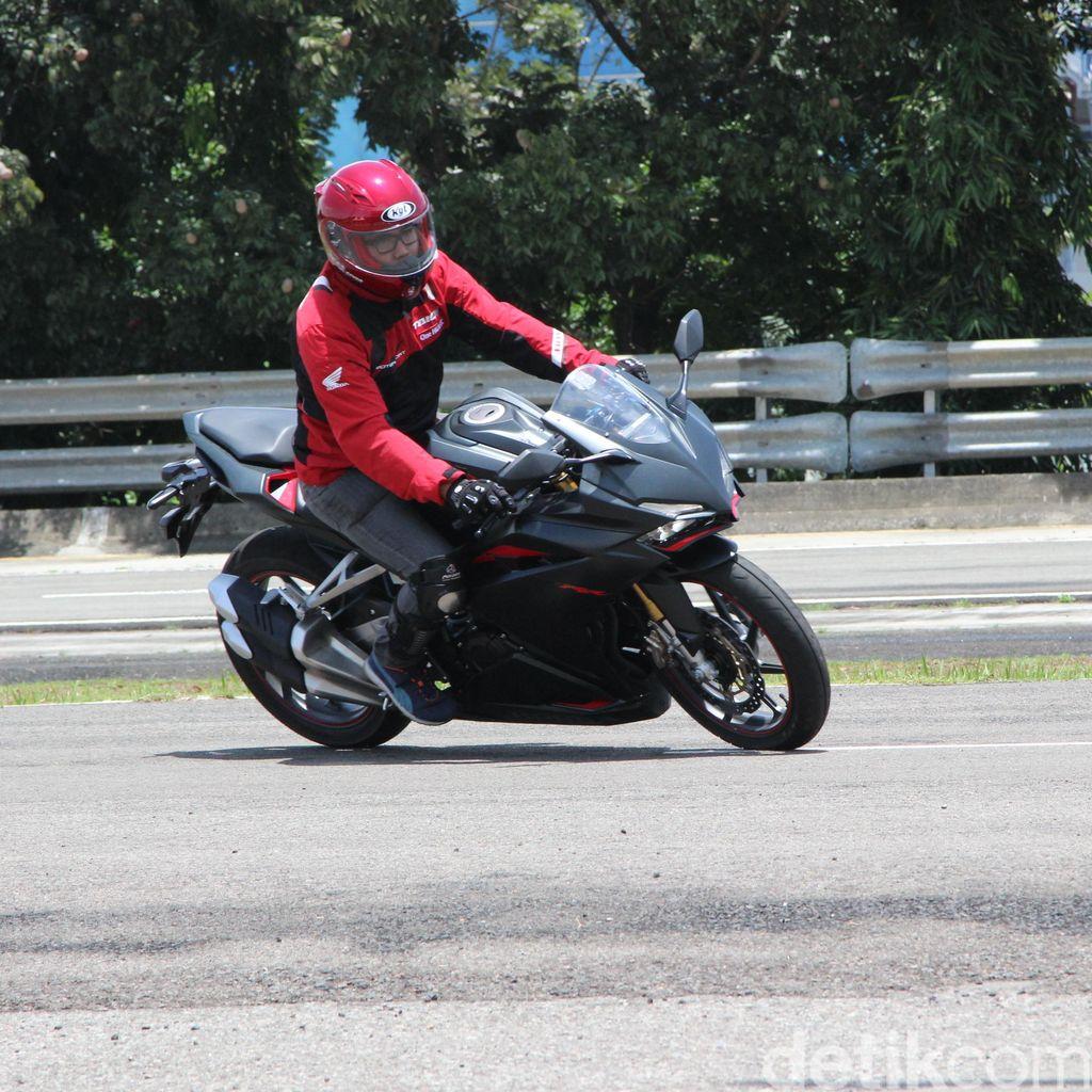 Honda Jawab Rasa Haus Pecinta Motor Sport 250 cc