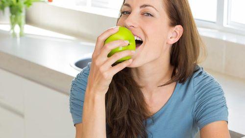 Hendak Makan Buah, Baiknya Sebelum Atau Sesudah Makan Berat?
