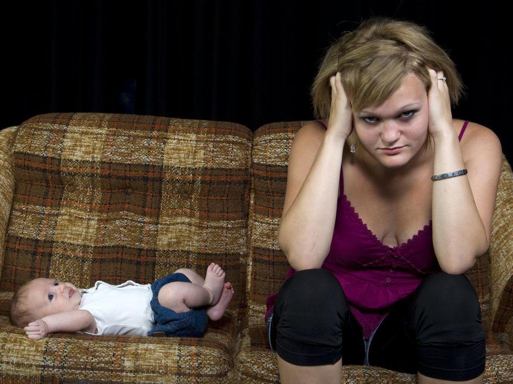 Ibu Stres dan Banyak Pikiran, Kapan Harus Periksa ke Dokter?