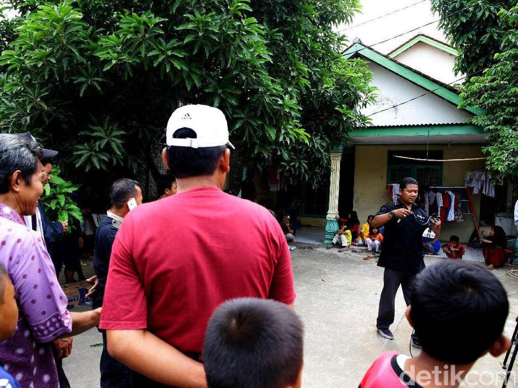 Rumah Pelaku Penyerangan Polisi Ramai Dikunjungi