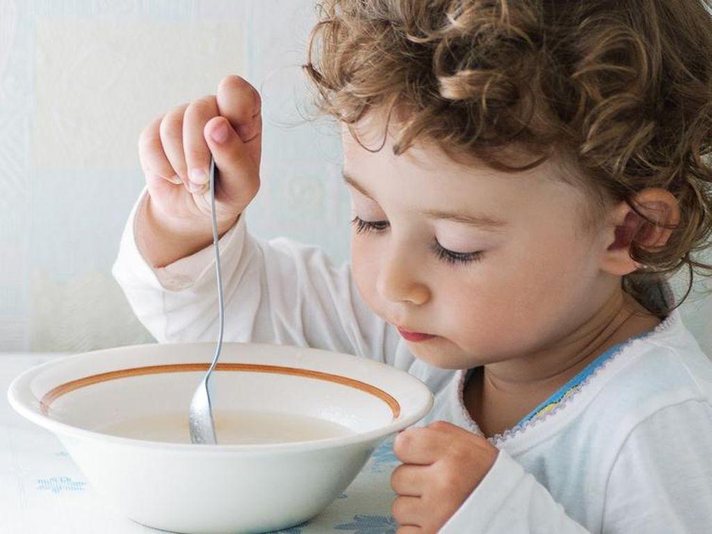 Saat Anak Malas Makan Karena Flu, Buatkan Saja 5 Sup Enak Kaya Nutrisi Ini