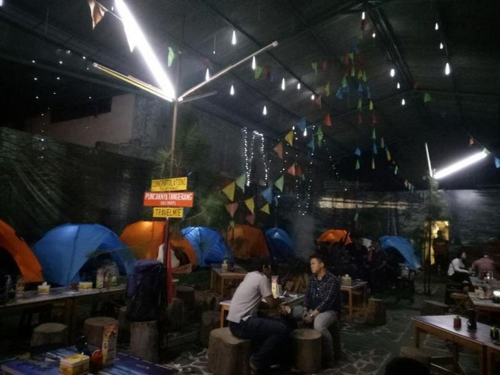 Bisa, Kulineran Sambil Camping di Kafe Tangerang