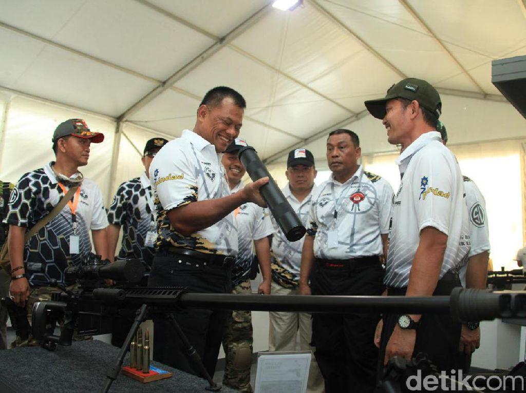 Panglima TNI : Jangan Ragu dengan Senjata Buatan Anak Bangsa