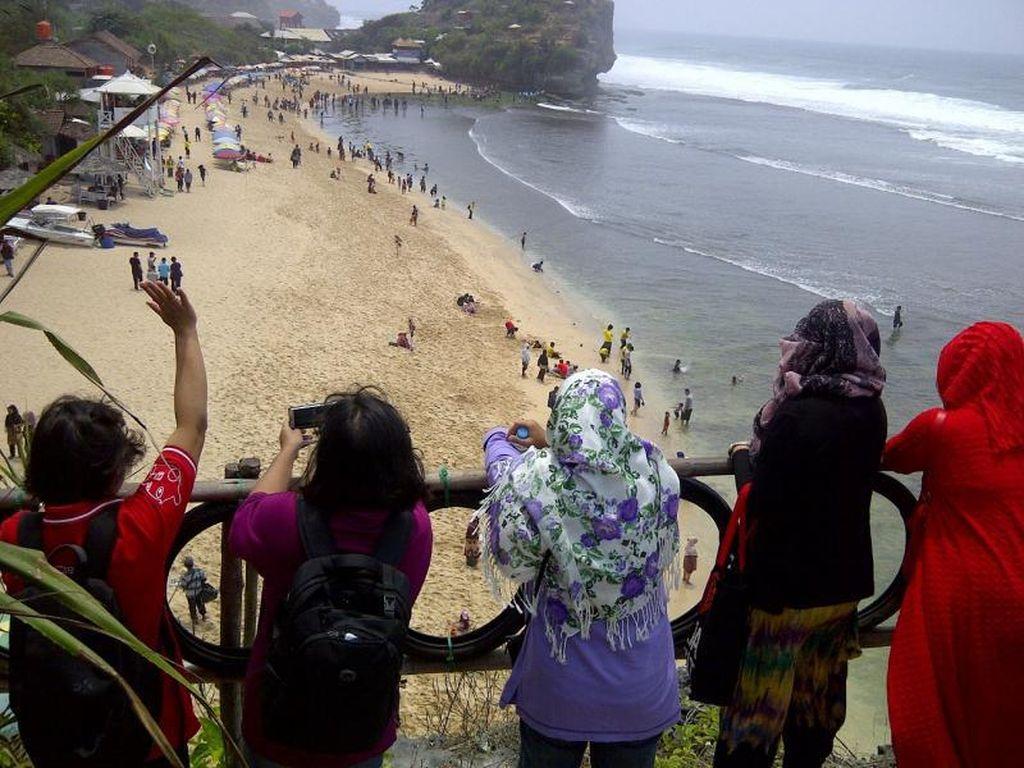 Akhir Pekan Seru di Pantai Indrayanti