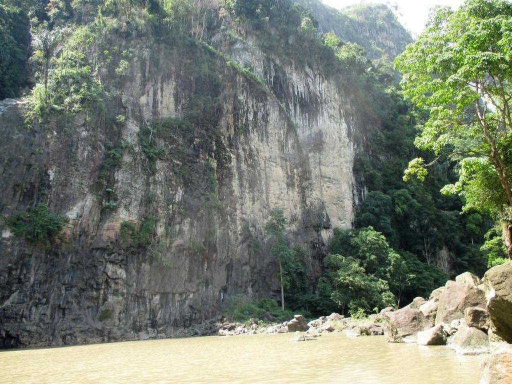Tebing Esktrem untuk Panjat Tebing di Asahan
