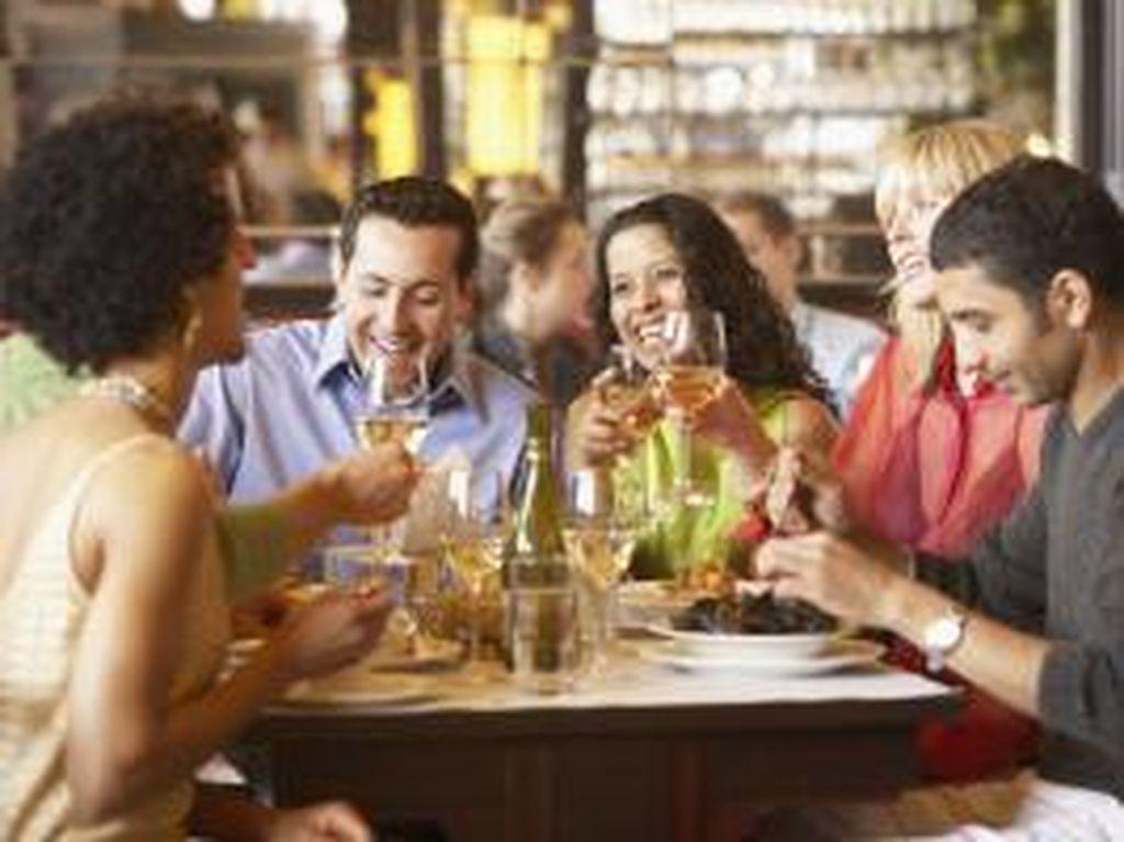 Millenials Amerika Habiskan 44% Belanja Makanan  untuk Makan di Restoran